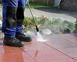 Terrassenboden reinigen